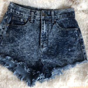 Pants - High-waisted Acid washed jeans